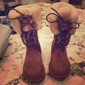 Brand New: Fur trim Ugg snow boots